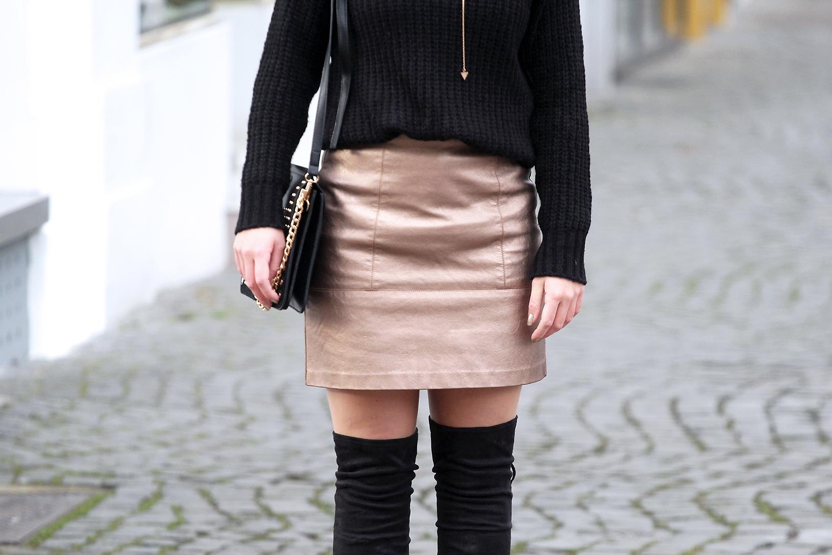 pull et jupe métallisée